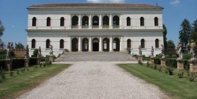 Villa Garzoni a Pontecasale