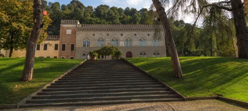 Замок Лиспиде в Монтичелли