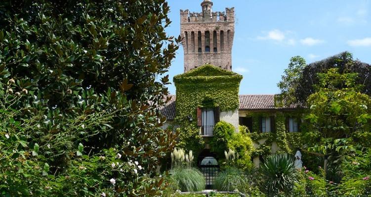 Castello di San Pelagio Terradura Due Carrare