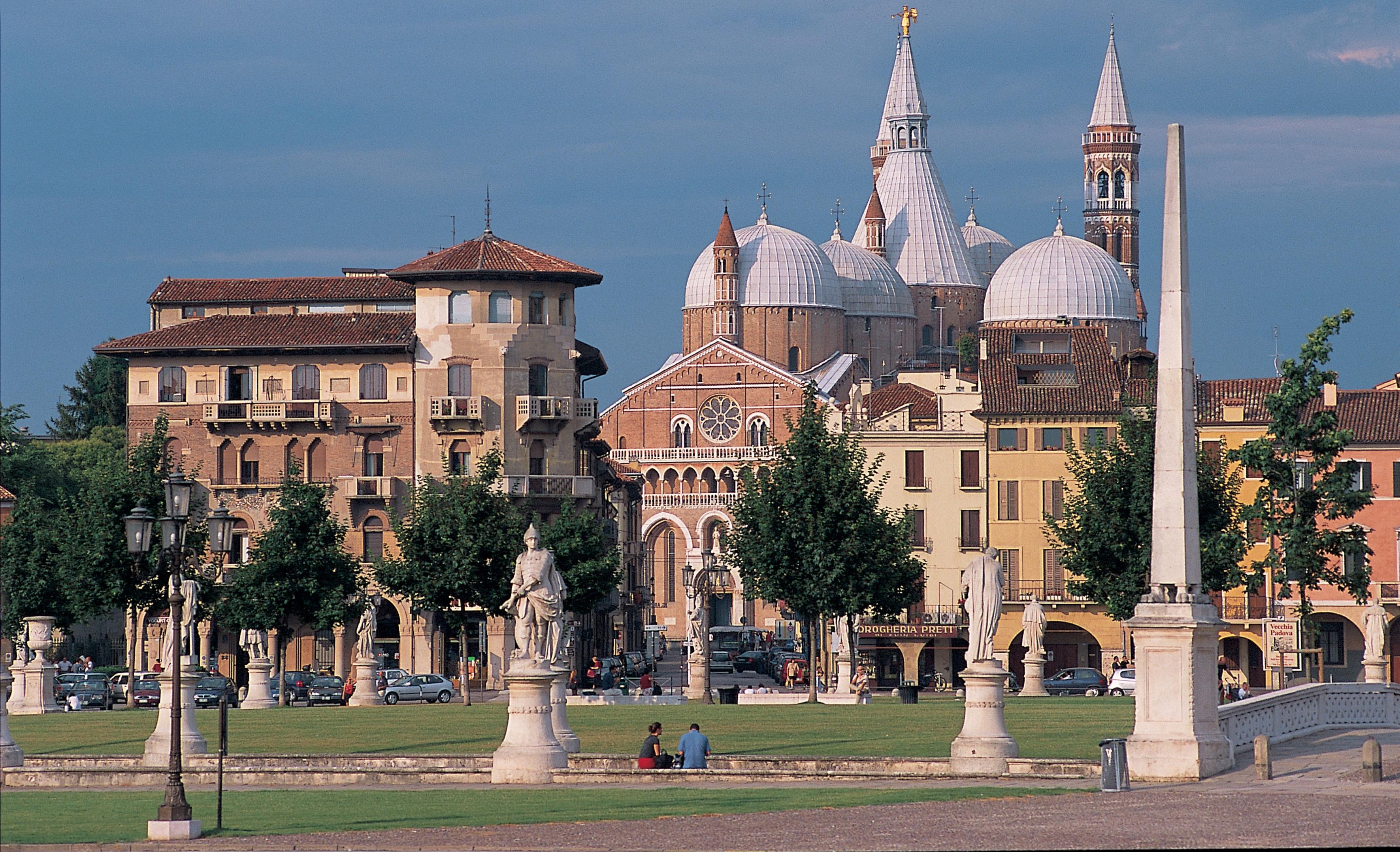 Castle in Padua photos